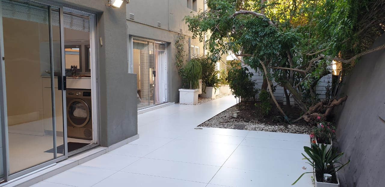 Luxury Apartment For Sale in Sea Point