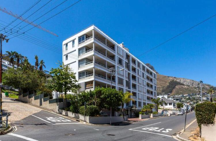 2 Bedroom Security Apartment For Sale in Fresnaye